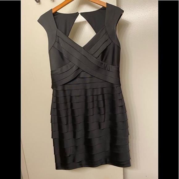 Jones Wear Dresses & Skirts - Jones wear dress classic black dress size 12